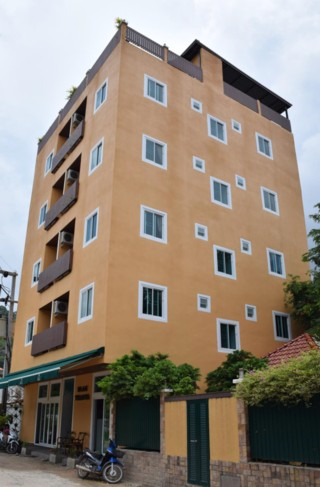 Patong Apartment House - Building